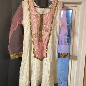Brand new kurta set/indian dress